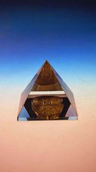 geschliffene Pyramide