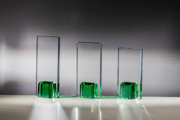 Glaspokal Smaragdgrün