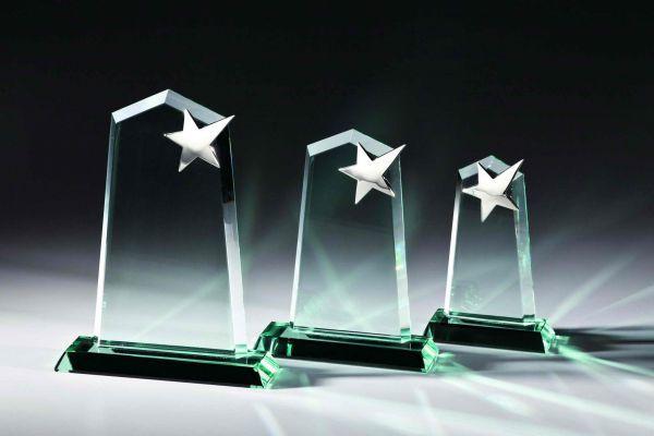 Jade-Glastrophy mit Silberstern