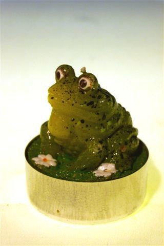 Teelich Frosch