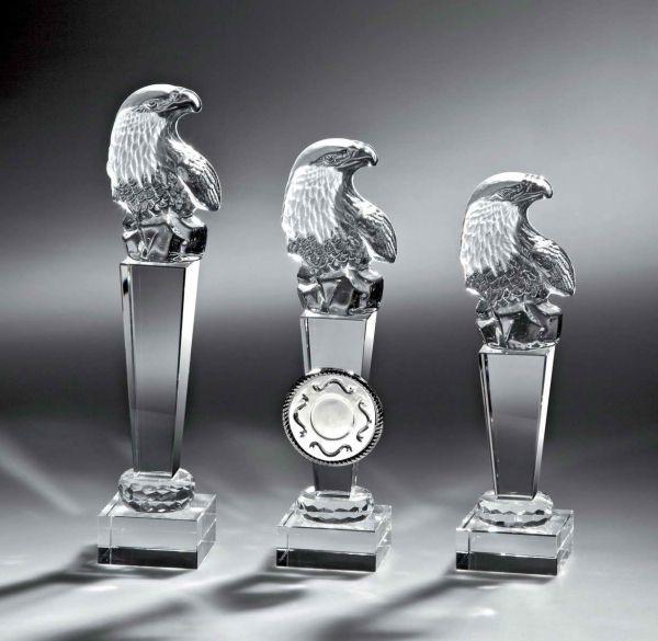 Siegesadler aus Kristallglas mit Sockel
